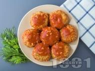 Печени кюфтета от елда с доматен сос с ароматни подправки